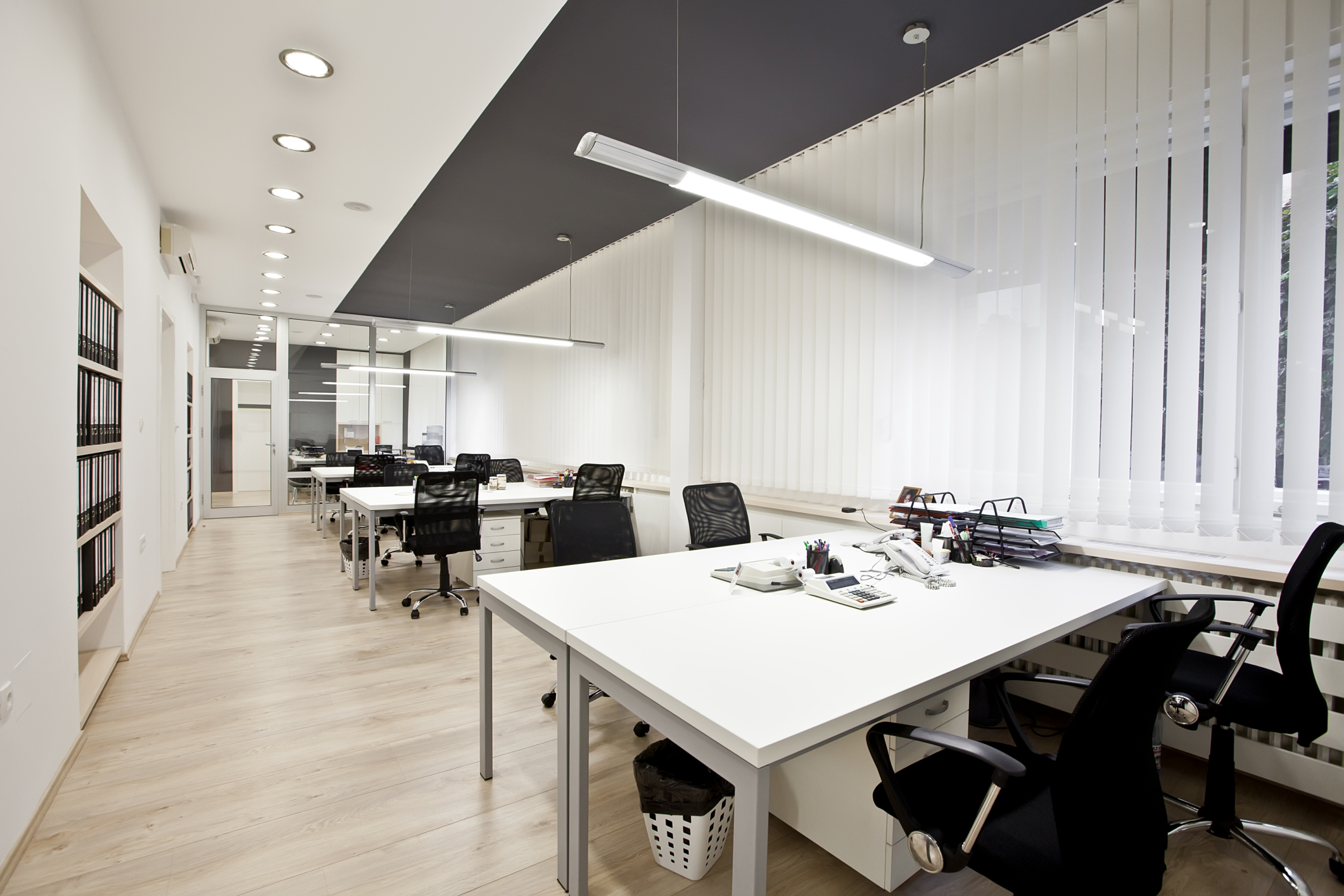 What are the benefits of buying new office furniture for New office layout design